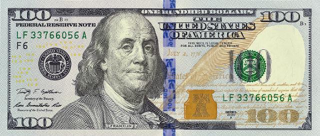 CША. Новая банкнота номиналом в 100 долларов серии 2009 А ...